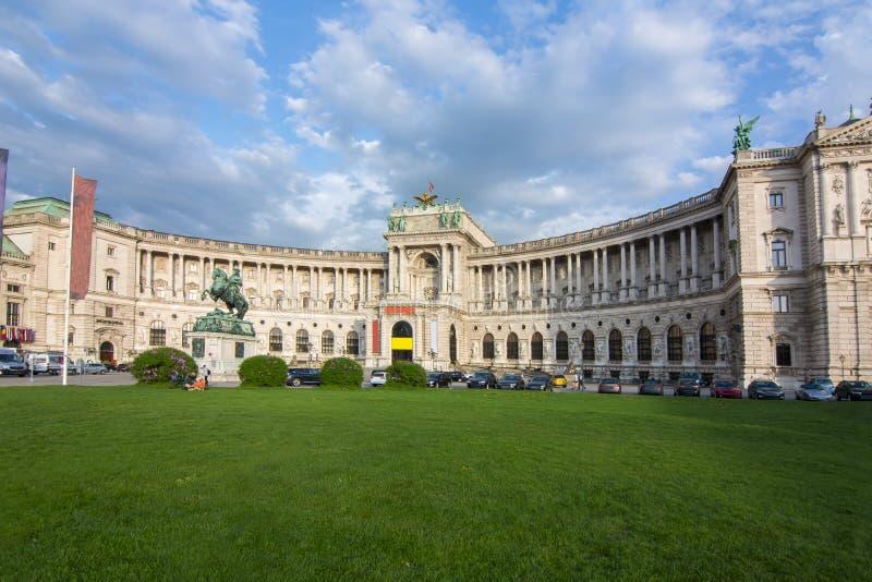 Hofburg尤金,维也纳,奥地利王子宫殿和雕象  免版税库存图片