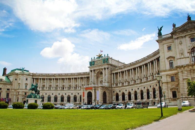 Hofburg-Palastansicht von Michaelerplatz, Wien, Österreich lizenzfreie stockfotos
