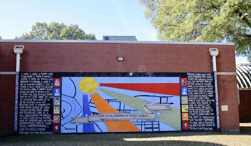 Hoffnungen und Träume, die auf einer Schule malen lizenzfreie stockfotografie
