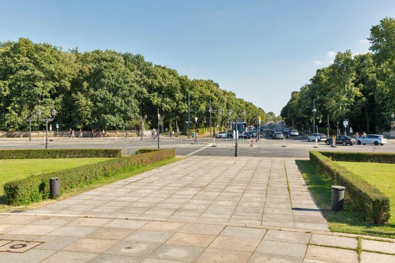 Hofjagerallee в парке Tiergarten berlin Германия стоковое фото rf