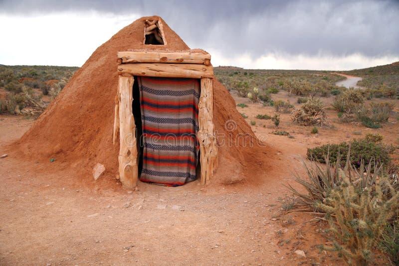 Hogan - gebürtiges indisches Haus des Navajos stockfoto