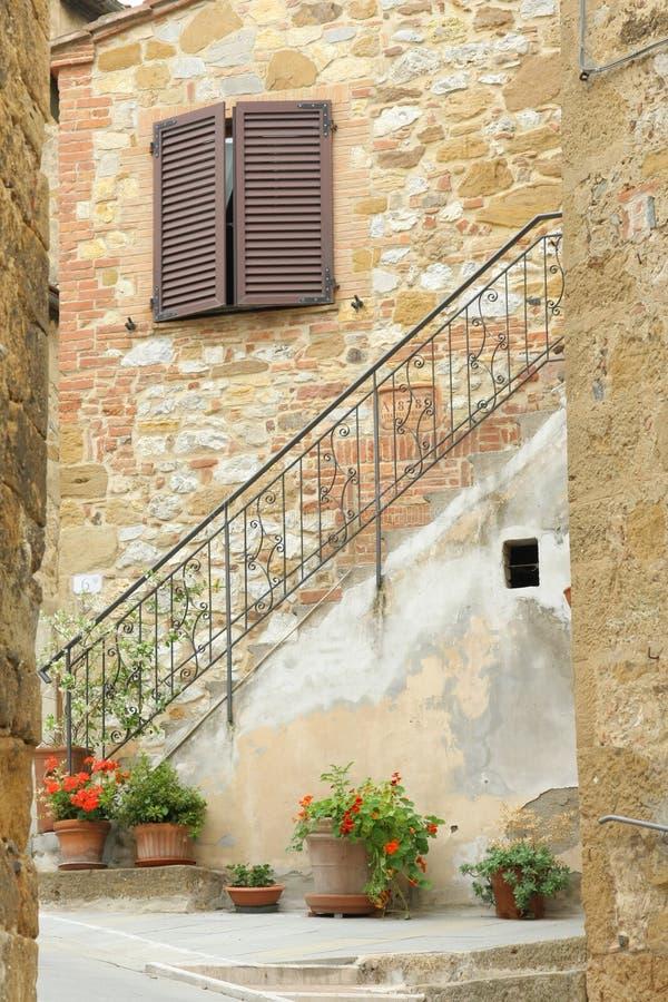 Hogar de la aldea en Toscana imagen de archivo libre de regalías