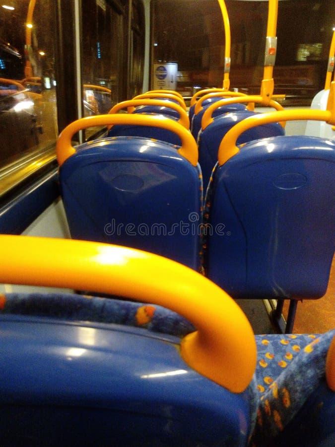 Hogar del paseo del autobús fotografía de archivo libre de regalías
