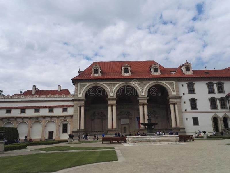 Hogar del senado de la República Checa, palacio de Wallenstein en Praga fotos de archivo