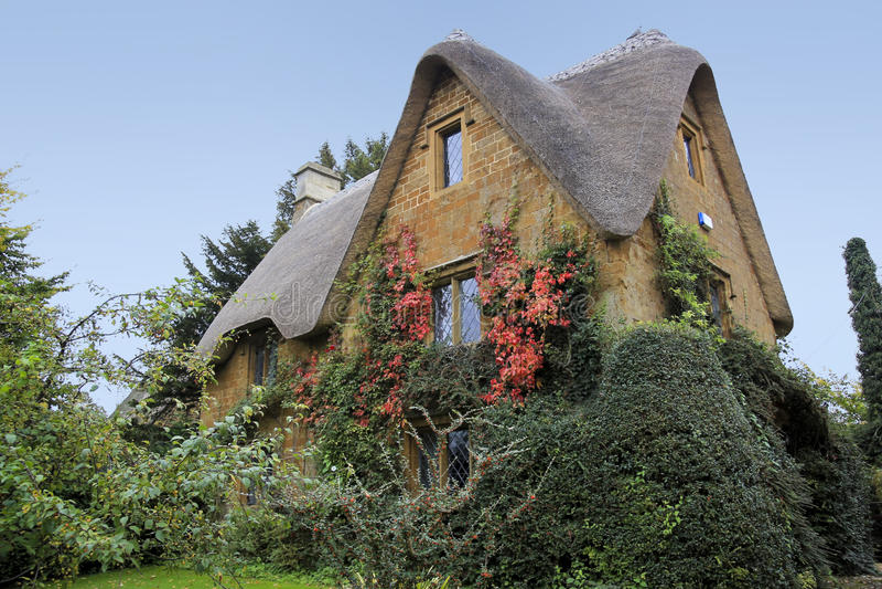 Hogar rural de Oxfordshire de la cabaña de Cotswalds foto de archivo