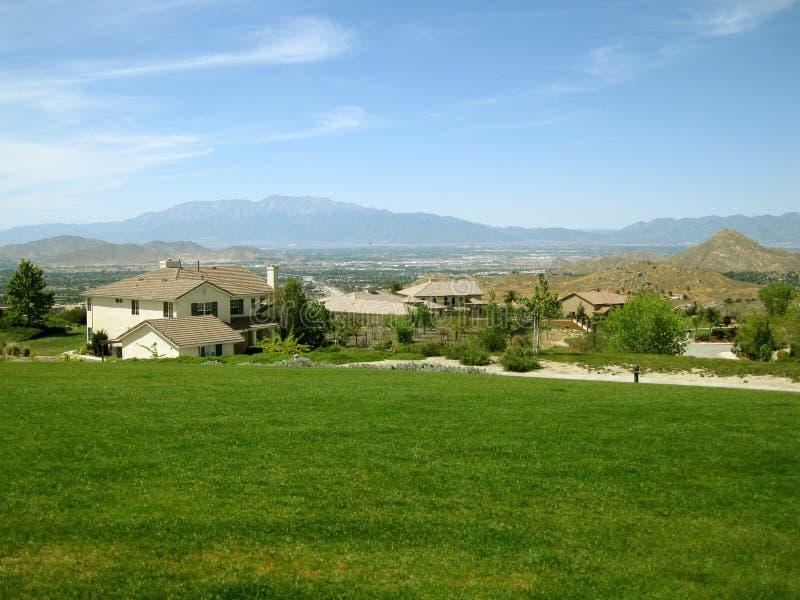 Hogares residenciales, Moreno Valley Community Park, Moreno Valley, California, los E.E.U.U. fotografía de archivo libre de regalías