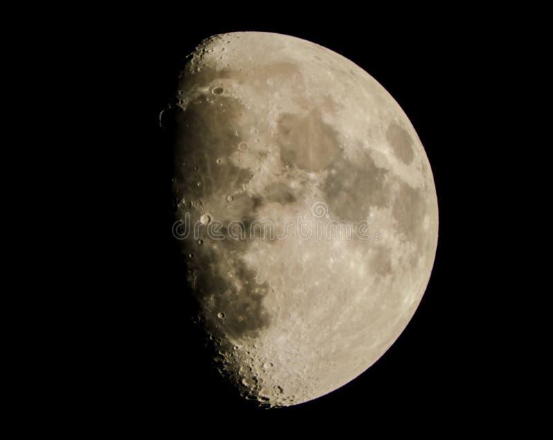 Hoge maan - kwaliteits onuitgegeven natuurlijk beeld royalty-vrije stock foto's
