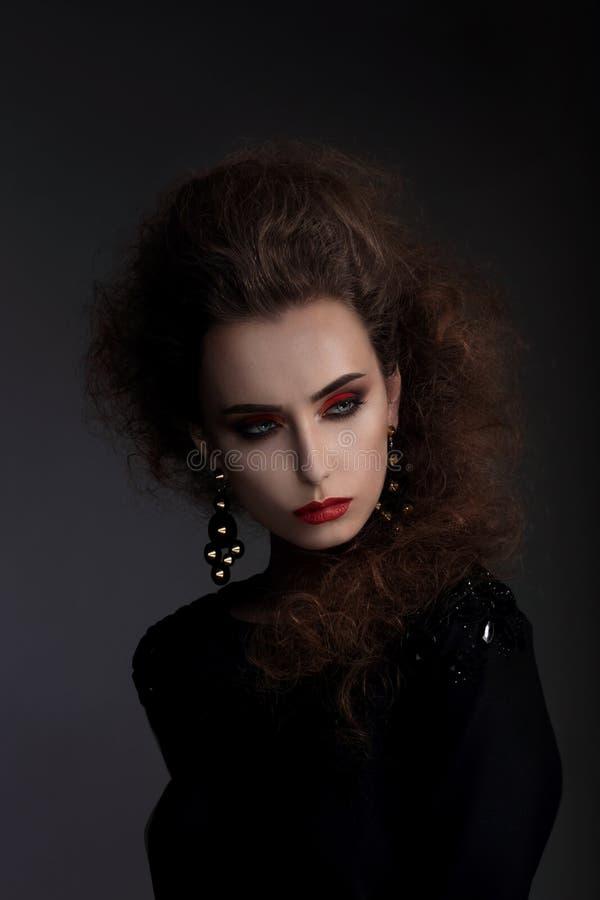 Hoge manier, portret van een vrouw stock fotografie