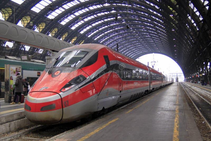 Hoge snelheidstrein in Italië stock afbeelding