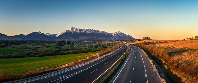 Hoge Tatras en zet Krivan, Slowakije op stock foto