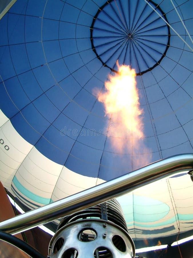 Download Hoge vlam stock foto. Afbeelding bestaande uit outdoors - 294428