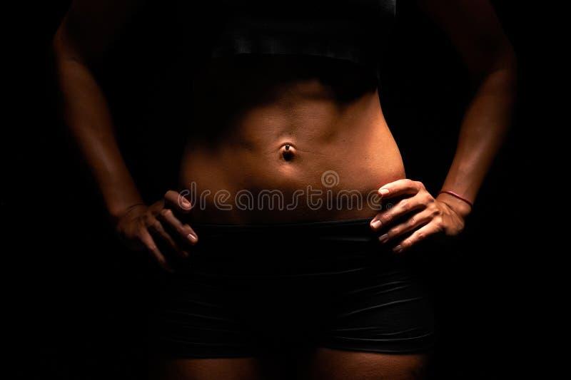Hoger lichaam van een spiervrouw royalty-vrije stock foto's