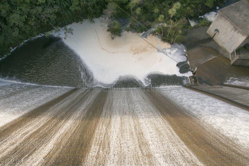 Hoger Nihotupu-Reservoir in de Waitakere-Waaiers, Auckland, Nieuw Zeeland royalty-vrije stock afbeelding