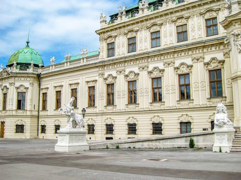 Hogere Belvedere Paleis buiten gedeeltelijke mening, in Wenen, Oostenrijk royalty-vrije stock afbeeldingen