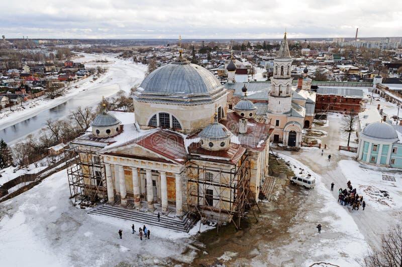 Hogere mening van Boris en Gleb Monastery in Torzhok, de wintertijd royalty-vrije stock afbeelding