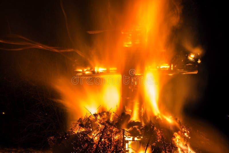 Hoguera cruzada ritual Luxemburgo imagenes de archivo
