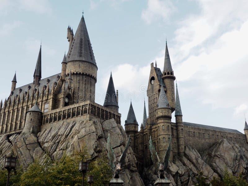 Hogwarts& x27; Castillo, estudios universales Japón imagenes de archivo