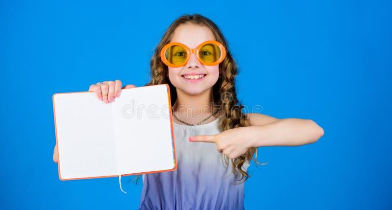 Hohe Aufl?sungabbildung mit Ausschnittspfaden Sommerart und weise Tagebuchanmerkungen Herstellung von Pl?nen f?r Sommerferien und stockfoto