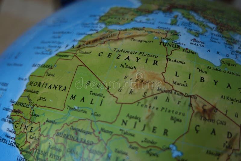 Hohe ausf?hrliche k?rperliche Karte Afrikas mit der Kennzeichnung stockbilder