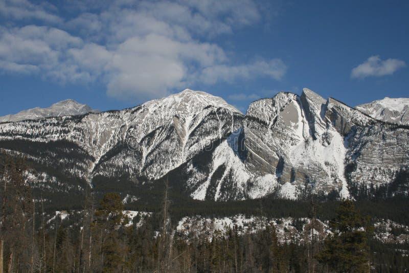 Hohe Berge und Wolken, Kanada lizenzfreies stockbild
