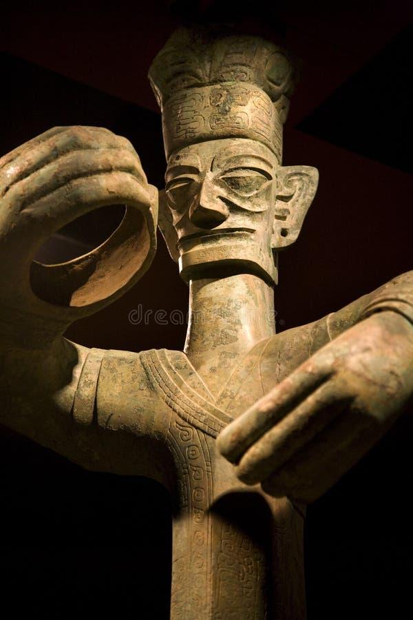 Hohe Bronzestatue Sanxingdui Sichuan China stockbilder