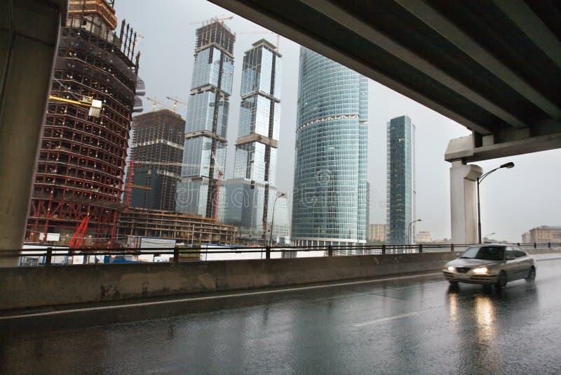 Hohe Gebäude im Bau lizenzfreies stockfoto
