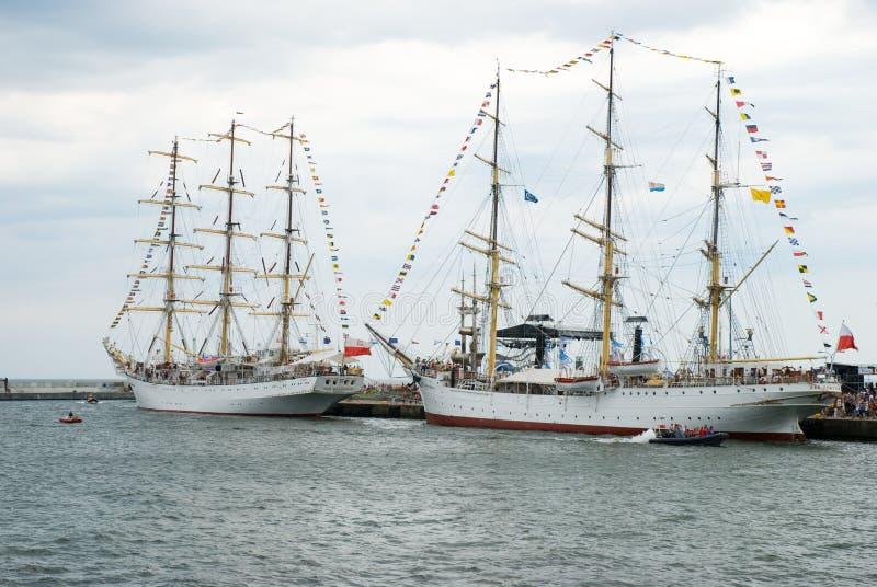 Hohe Lieferung läuft - Gdynia - Polen 04.07.2009 lizenzfreie stockfotografie