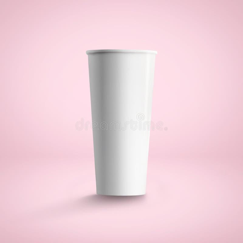 Hohe Papierkaffeetasse, über weichem rosa Hintergrund stockbild