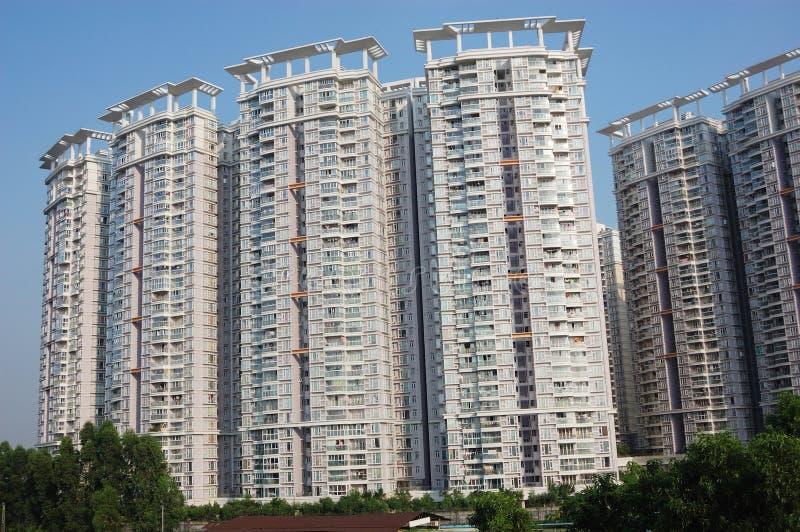 Hohe Wohngebäude stockfotografie
