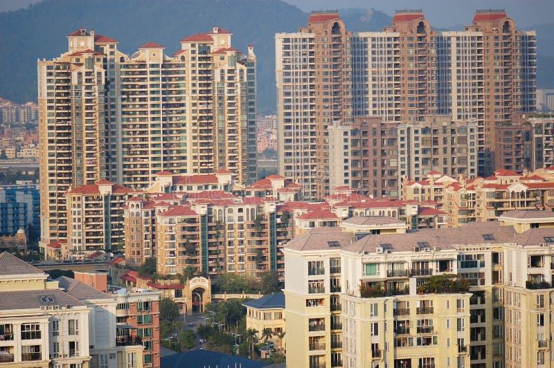 Hohe Wohngebäude lizenzfreie stockfotos