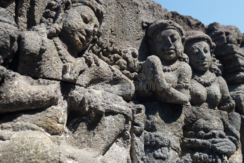 In hohem Grade ausführliches Steinschnitzen Buddhistischer Tempel Borobudur, Indonesien stockbild