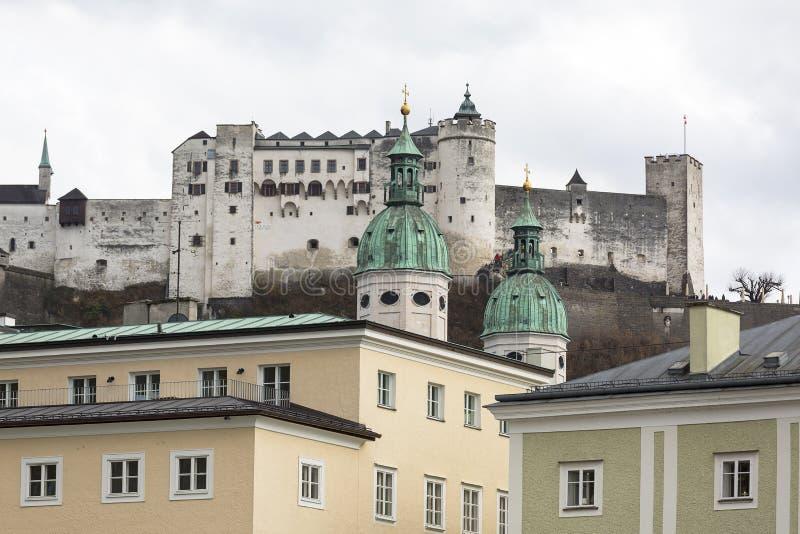 Hohensalzburg堡垒,在Festungsberg小山的中世纪城堡,萨尔茨堡,奥地利 库存图片
