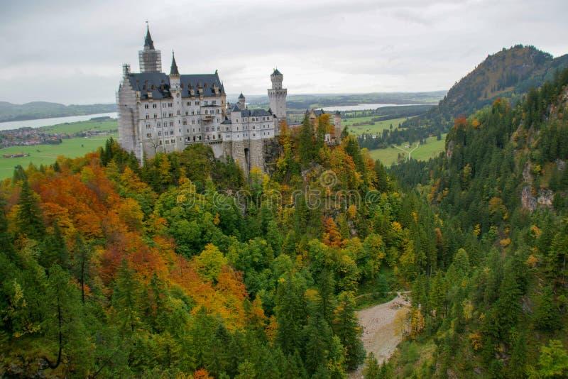 Hohenschwangau slott i bergen arkivbilder