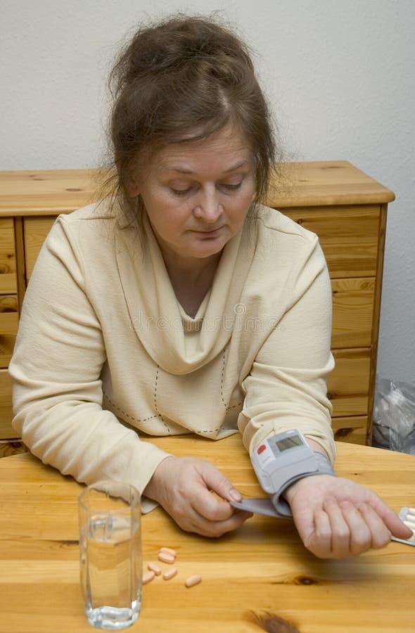 Hoher Blutdruck lizenzfreie stockbilder