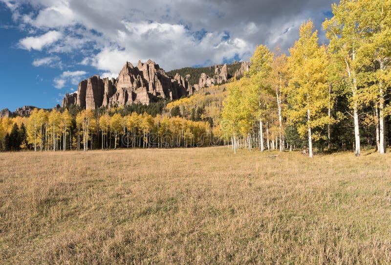 Hoher Mesa Pinnacles in Cimarron-Tal Colorado lizenzfreies stockbild