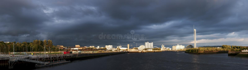 Hohes Auflösungpanorama von Fluss Clyde in Glasgow stockbilder