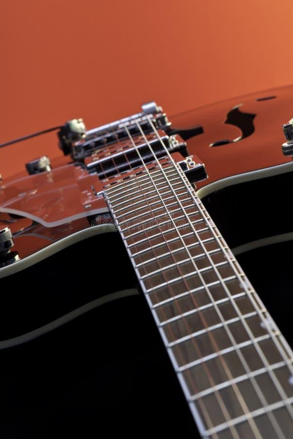 Hohle Karosserien-Gitarre lizenzfreie stockbilder