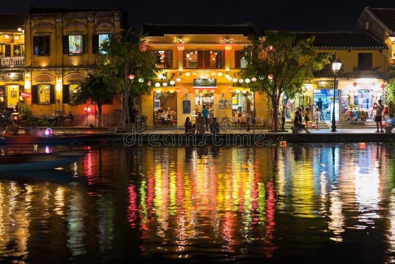 Hoi brzeg rzeki przy noc? fotografia royalty free