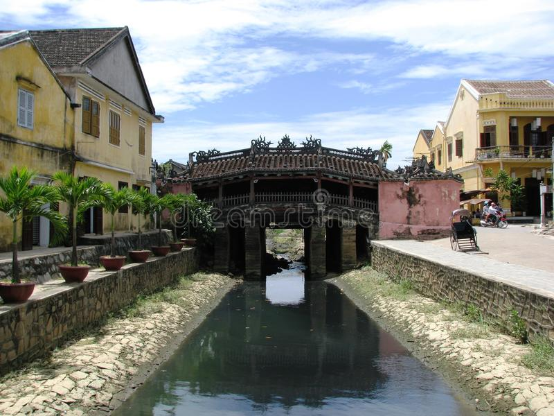 Hoi eine japanische Brücke stockbilder