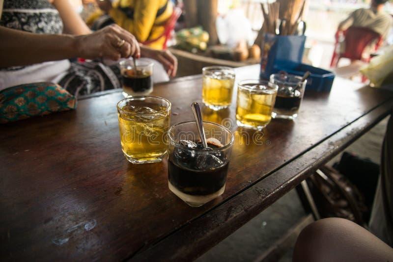 Hoi An - la città delle lanterne cinesi Il migliori tè e caffè di ghiaccio immagini stock libere da diritti