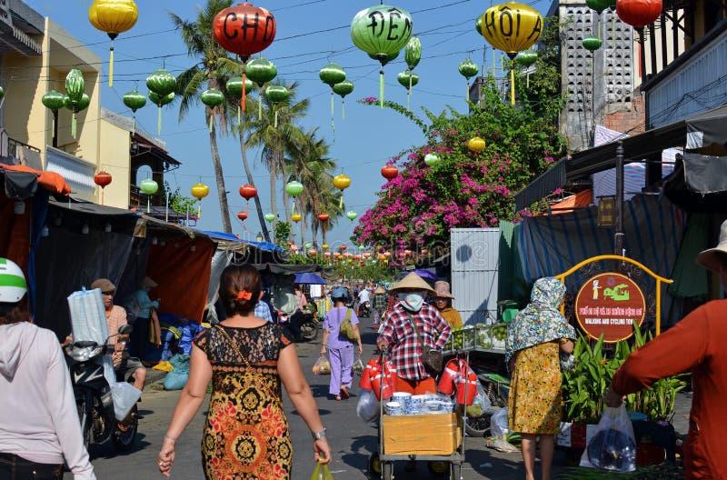 Hoi An Market Vietnam su una mattina occupata immagine stock