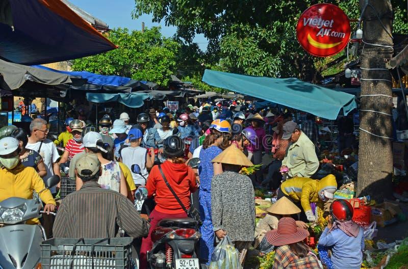 Hoi An Market Vietnam su una mattina occupata immagini stock libere da diritti