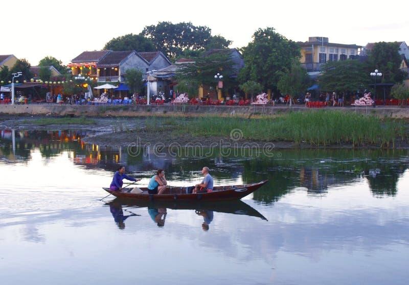 Hoi An Old Town Houses och flod i Vietnam arkivbilder