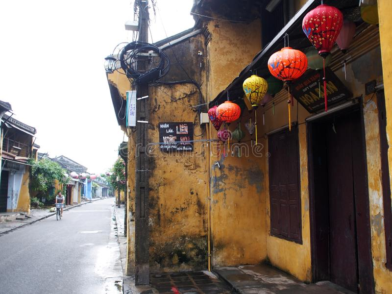 HOI, um mercado internacional chinês e europeu japonês histórico em VIETNAME foto de stock royalty free