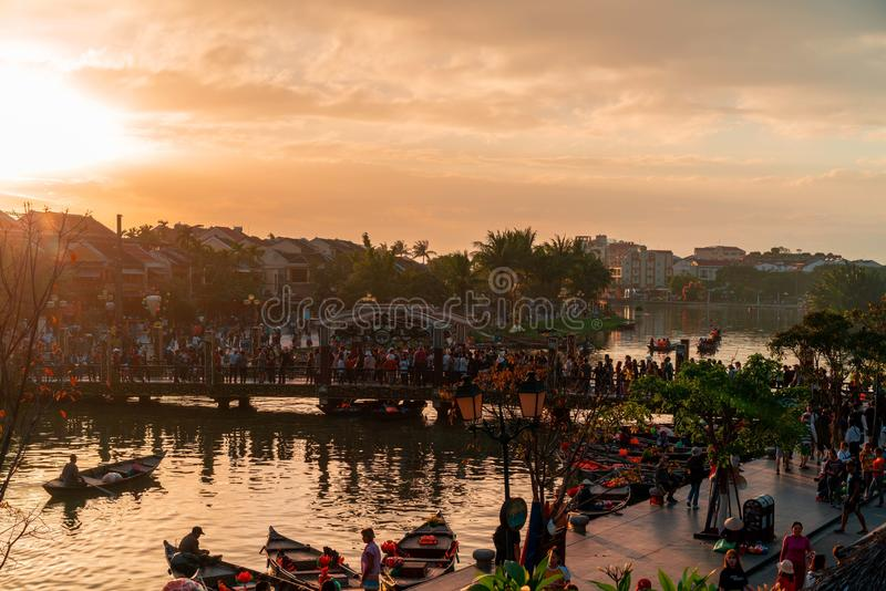 Hoi An Vietnam 19 1 19: Berühmtes Latern-Festival am fullmoon in der alten Stadt der Farbe lizenzfreies stockfoto