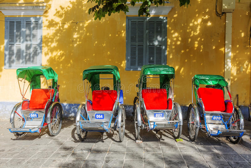 Hoi An Vietnam gammalt Cyclo royaltyfria bilder