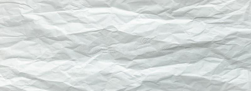 Hoja blanca del papel plegable Hoja de papel blanca machacada y doblada Papel de nota Papel arrugado imagenes de archivo