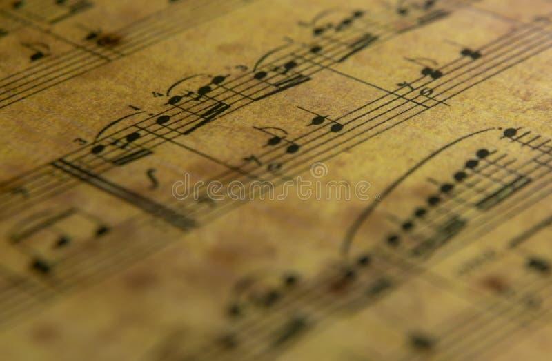 Hoja de música en el papel viejo fotos de archivo libres de regalías