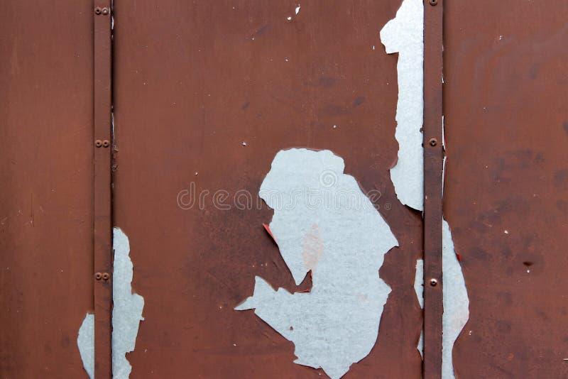 Hoja de metal vieja con la peladura de la pintura imágenes de archivo libres de regalías
