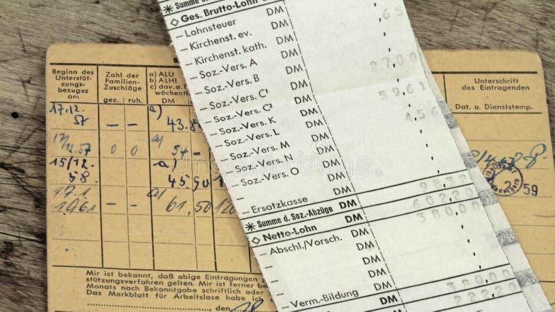 Hojas de paga fotos de archivo libres de regalías